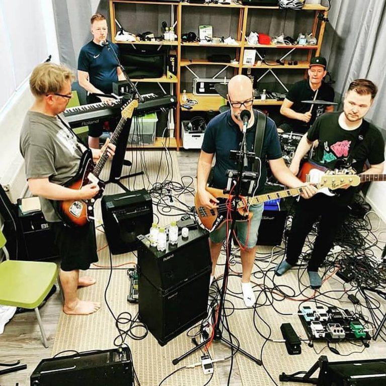 rock bändi juhliin