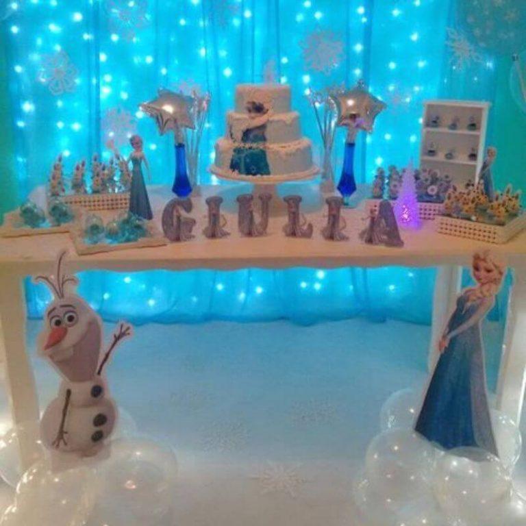frozen juhlat kattaus