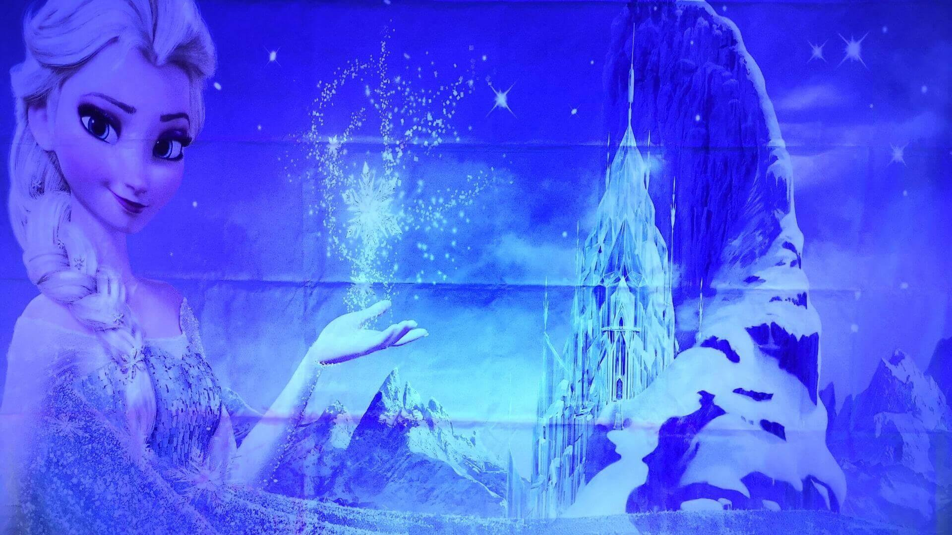 Frozen taustakangas ja UV-valot.