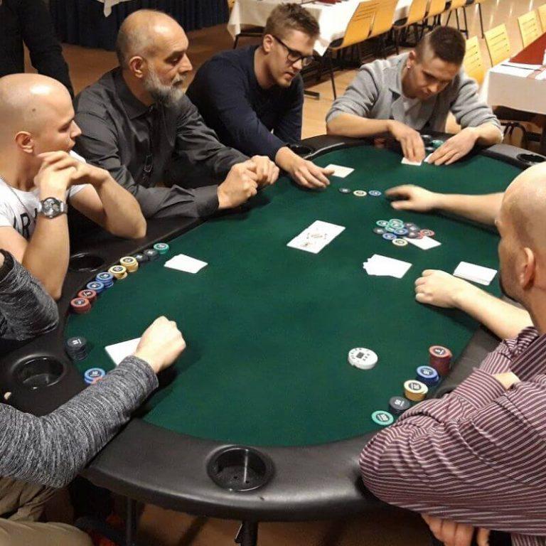 pokeripöytä helsinki