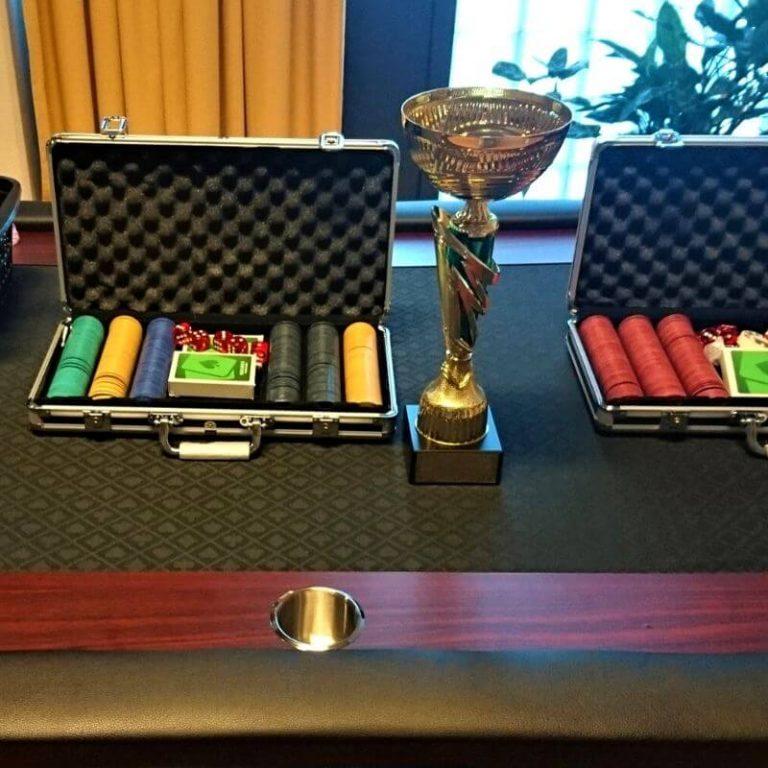 pokeripöytä vuokraus helsinki