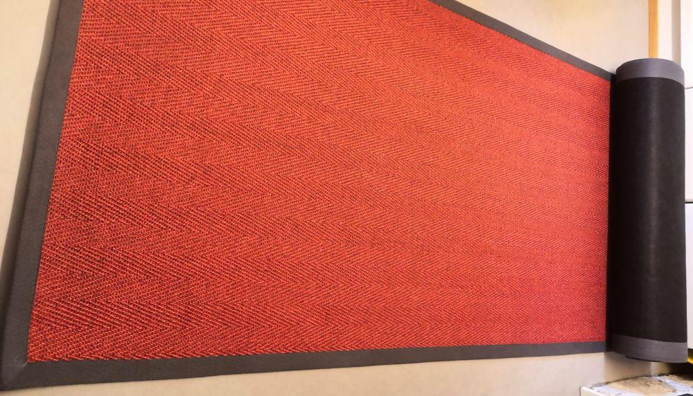 punainen käytävämatto
