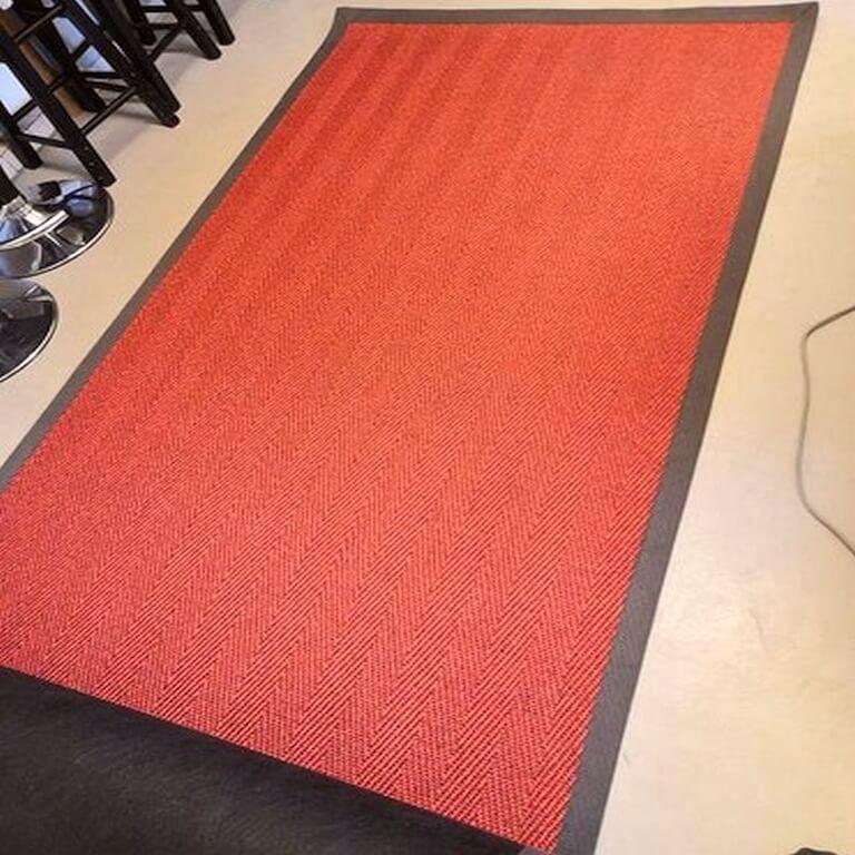 punainen matto vuokraus