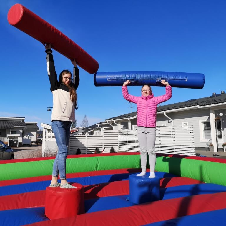 Gladiator-areena. Sopii lapsille ja aikuisille.