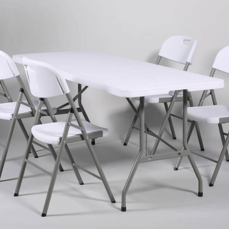 Pöytien ja tuolien vuokraus.